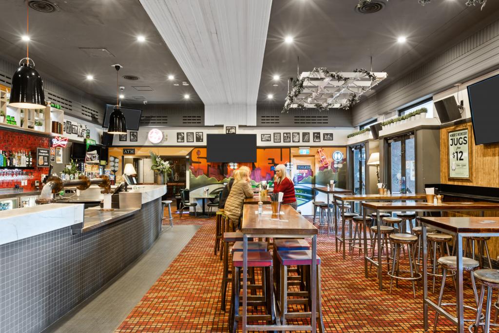 Interior Sports Bar | Great Southern Bar